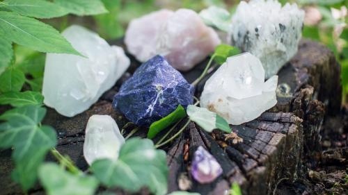 5 cristale care te ajută în carieră