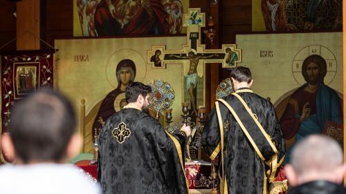 Oficial al Guvernului: Slujbele de Crăciun se pot desfășura în interiorul și în exteriorul bisericilor