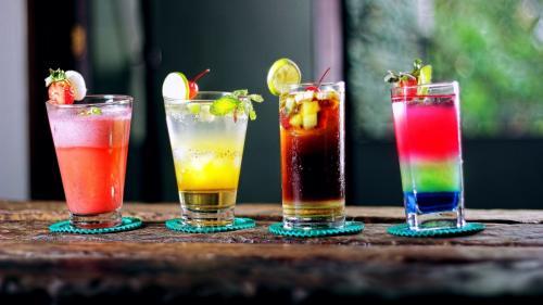 7 bauturi alcoolice tari si ingredientele lor magice