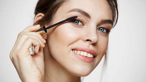 Esti incepatoare la capitolul machiaj? Iata ce produse makeup ar trebui sa ai in trusa!