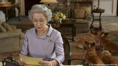 Să râdem cu prefectul Brăilei: Dacă tulpina din Marea Britanie trăiește cât Regina, am pus-o!