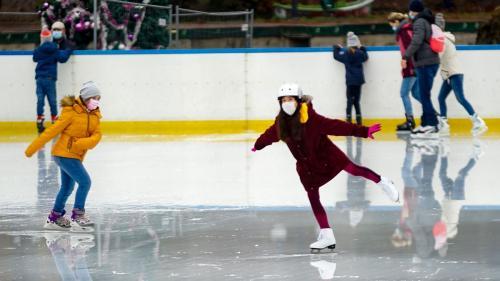 Distracţie la patinoar