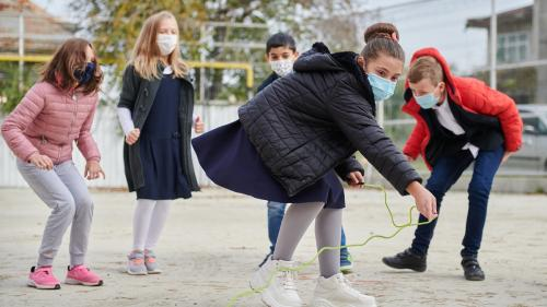 Situație tragică pentru mamele adolescente din România
