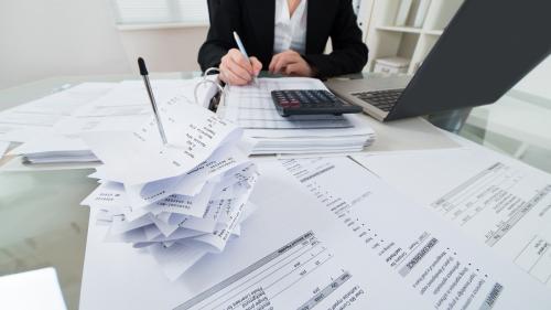 Cum pot folosi companiile banii obținuți din granturi