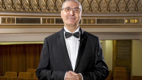 """Profesorul şi violoncelistul Marin Cazacu a primit ordinul """"Meritul Cultural"""" în numele Centrului Naţionalde Artă """"Tinerimea Română"""""""