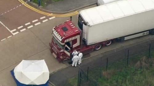 Patru persoane, între care un român, condamnate în dosarul celor 39 de migranți găsiți morți într-un camion în Anglia