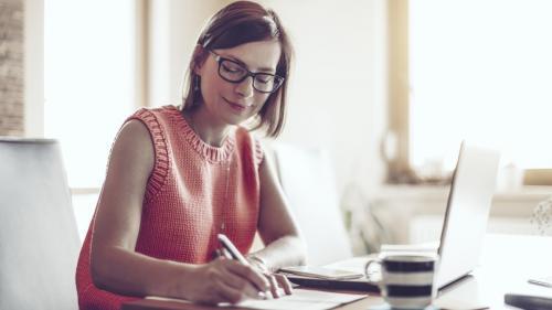 Peste 60% dintre angajații de la nivel global lucrează la distanță