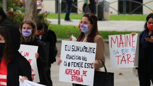Femei în pandemie: şomaj, violenţă, teamă