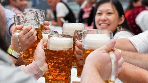 Al doilea producător mondial de bere anunță concedieri