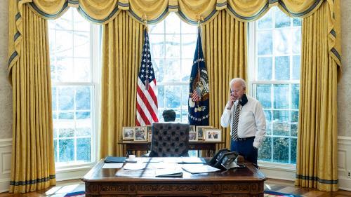 Joe Biden îi dă o palmă prințului moștenitor saudit