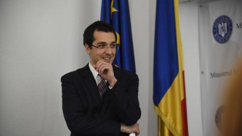 Fabrica de posturi de la vârful Ministerului Sănătății. 5 secretari de stat și 23 de consilieri ai ministrului Vlad Voiculescu