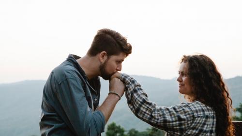 Redescoperirea relației sau a căsniciei: ce poți face pentru a dezvolta constant pasiunea pentru partener