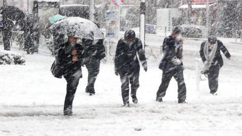 Ninge puternic în centrul țării, mai ales la munte în Brașov, Covasna și Harghita