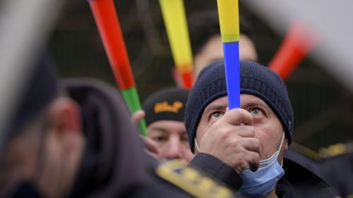 Zeci de persoane protestează în Timișoara față de carantinarea orașului