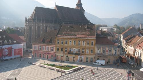 Korona medievală se păstrează aproape intactă, în Brașovul de azi