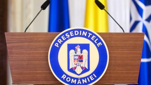 """Strada strigă """"Libertate!"""", Iohannis bate medalii pentru apărarea drepturilor omului"""