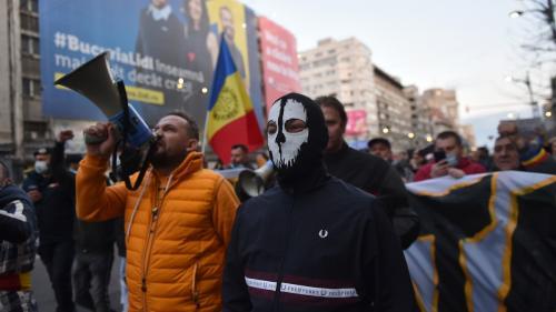 UPDATE Amenzi aplicate după protestul din București împotriva restricțiilor impuse în contextul pandemiei
