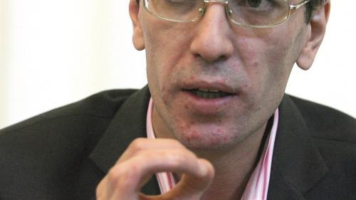 Avocatul Adrian Toni Neacșu: Demersul PSD de a ataca închiderea magazinelor la ora 18.00 este mai degrabă unul politic decât strict juridic