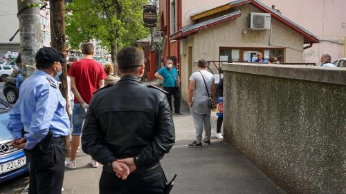"""Familia """"bancherului-șef"""" din Dolj, selecționată de Forțele de Muncă să se ocupe de formarea polițiștilor locali"""