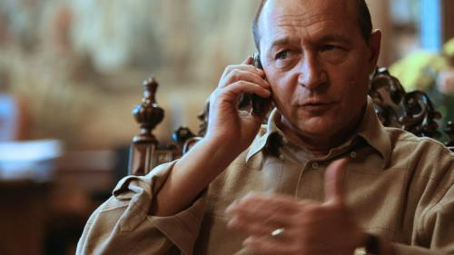 Băsescu și-a turnat la Securitate un coleg din cauza unui ceas și a doi butoni