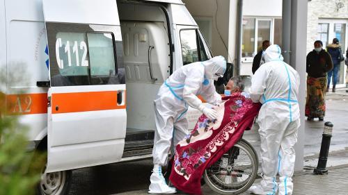 COVID-19 în România. 2.000 de cazuri noi de infectare, 1.529 persoane internate la ATI şi 113 de decese