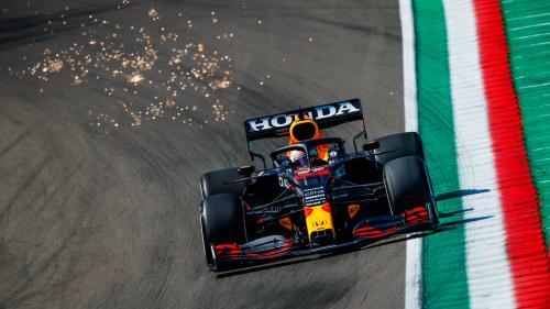 Max Verstappen a câștigat cursa de Formula 1 de la Imola. Hamilton conduce clasamentul general