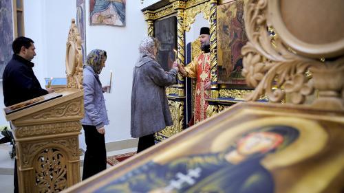 Țara credincioșilor neduși la biserică. Există și români fără păcat: 5%