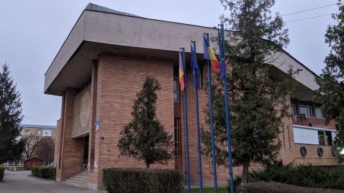 Casa de Cultură a Sindicatelor din Călan, scoasă la mezat de primărie, din cauza administratorului