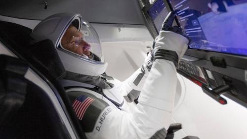 Capsula SpaceX cu echipaj uman a andocat la Stația Spațială Internațională