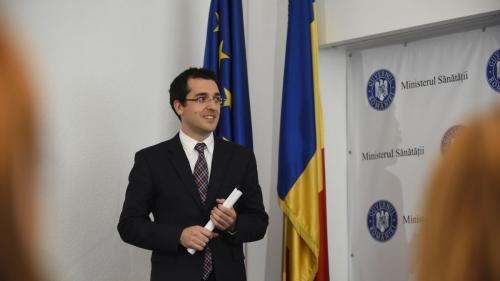 """Vlad Voiculescu a primit clasare de la DNA în dosarul """"diplomei de la Viena"""""""