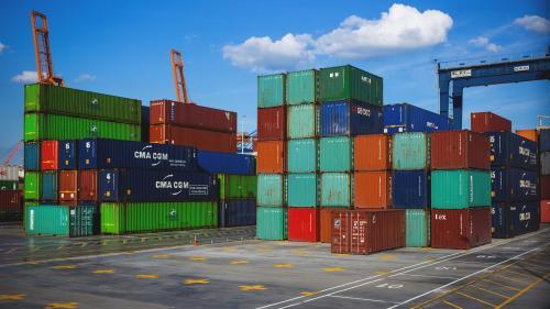 Deficitul balanței comerciale a crescut la 5,327 miliarde de euro în primul trimestru din 2021