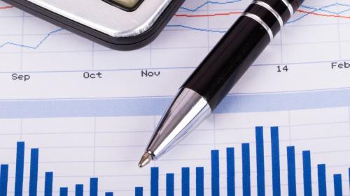Economia României își revine dar se adâncesc dezechilibrele