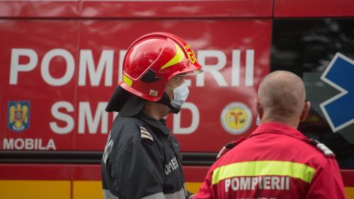 Incendiu la o agenție de pariuri din Craiova. Zeci de oameni evacuați