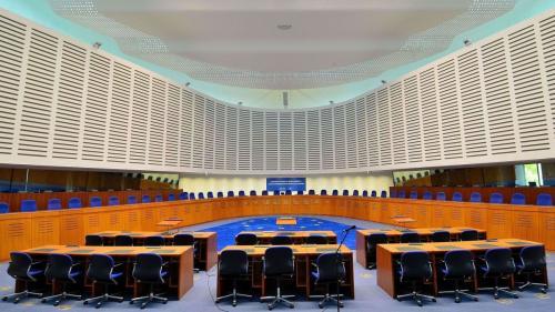 România, condamnată de CEDO pentru un proces judecat cu reclamantul în lipsă. Miza, ajutorul public judiciar