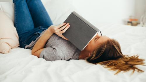 Cum poți să îți creezi confortul pe care-l meriți: soluții pentru cămin și pentru starea ta de bine