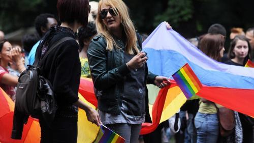 Homofobia, mai mare decât xenofobia, la români