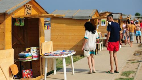 USR-PLUS vrea să transforme stațiunile turistice în bazare
