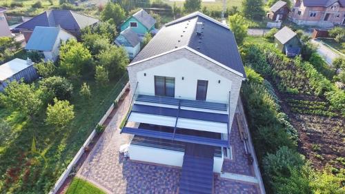 Cum să construiești o terasă All Seasons - acoperiș și închideri laterale pentru orice anotimp