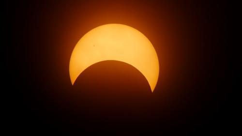 Eclipsă parțială de Soare în 10 iunie. Orele de la care se va vedea din România