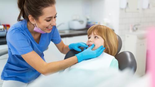 Sigilarea dinților la copii. Top avantaje