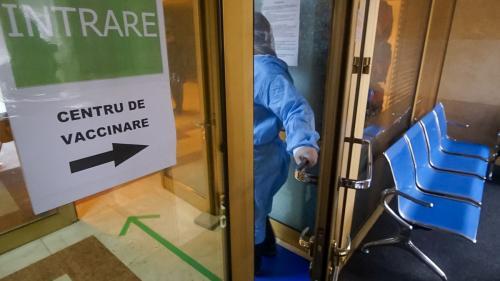 Campania de vaccinare continuă în iunie la Castelul Bran. Se pot imuniza şi copiii de peste 12 ani