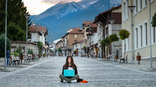 USR PLUS visează la nomazii digitali care vor aduce României zeci de milioane de euro