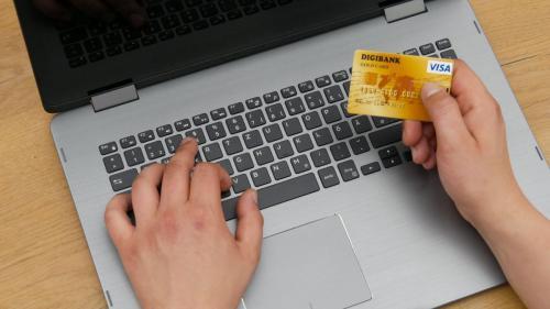 ARB: Atenție la plățile online. În caz de fraudă, banii nu pot fi recuperați
