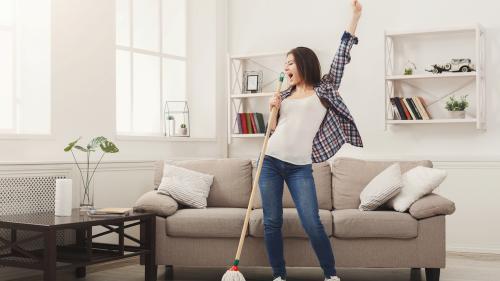 Curățenia în casă: sfaturi pentru a nu pierde prea mult timp cu treburile casnice