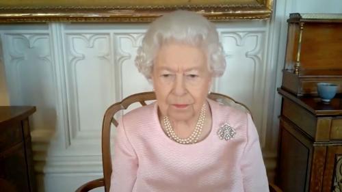 Regina Elisabeta, întâmpinată cu urale la festivalul de hipism Royal Ascot