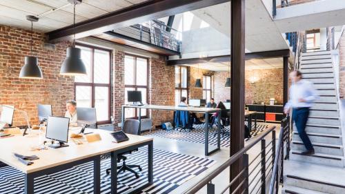 Tehnologiile touchless în spațiile de birouri, o necesitate a prezentului și a viitorului