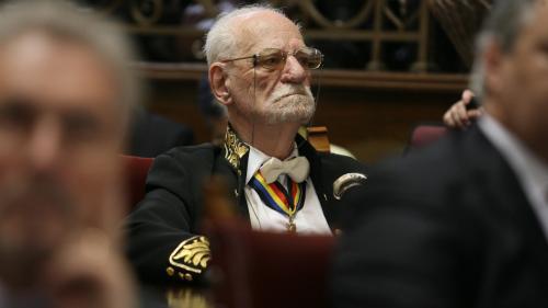 Constantin Bălăceanu Stolnici, la 98 de ani: nu a ieșit la pensie, are carte de muncă și predă trei cursuri