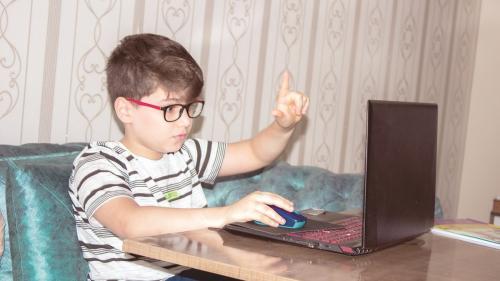 14 școli din Capitala și Ilfov, în programul Edu Networks pentru digitalizarea procesului educațional