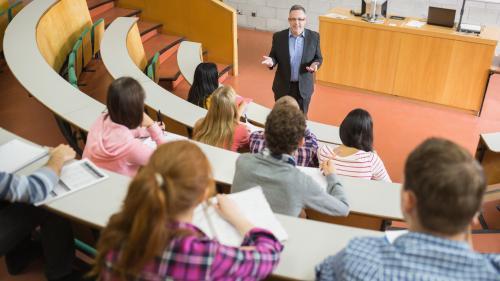 Universităţi din Marea Britanie colaborează pentru deschiderea unor facultăţi noi în România