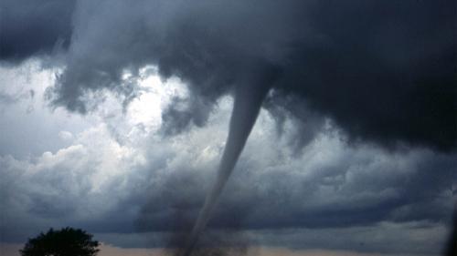 Cod roșu de furtună la Bacău